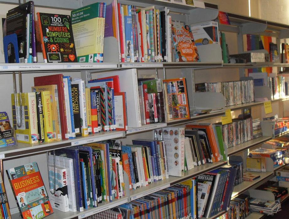 newhaven school library shelves